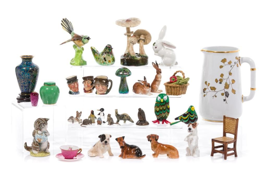 GROUP OF ASSORTED DECORATIVE MINIATURE FIGURES