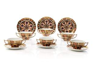 SIX ROYAL CROWN DERBY IMARI BOWLS & SAUCERS