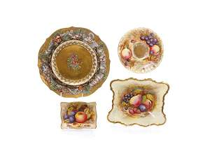 FOUR GILDED ENGLISH PORCELAIN DISHES