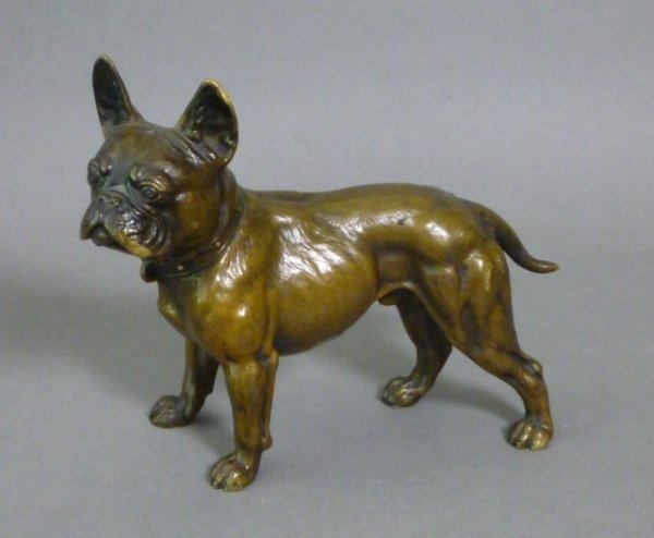 1005: PATINATED BRONZE FIGURE OF A FRENCH BULLDOG