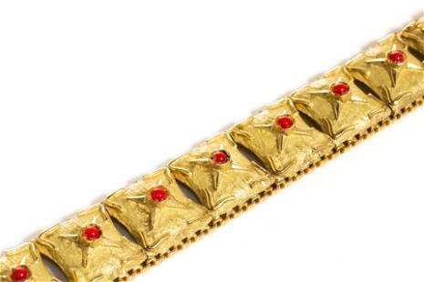 YELLOW GOLD & CORAL BRACELET, 46g
