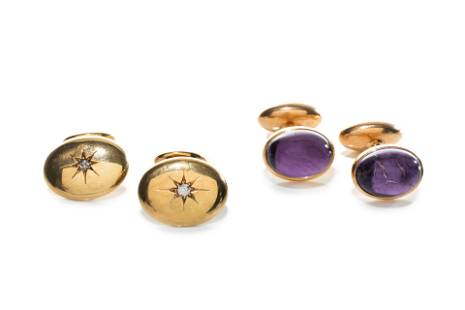 TWO PAIRS OF GOLD CUFFLINKS, 13g
