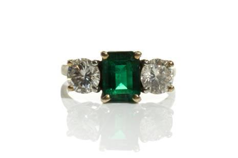 EMERALD & DIAMOND RING, 4g