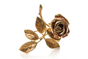 TWO TONED GOLD ROSE FLOWER BROOCH, 14g