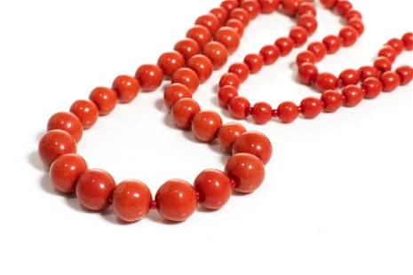 NATURAL RED CORAL GRADUATED BEADED NECKLACE, 35g