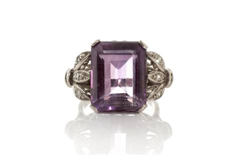 WHITE GOLD & AMETHYST COCKTAIL RING, 10g
