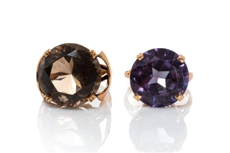 TWO VINTAGE COCKTAIL RINGS, 16g