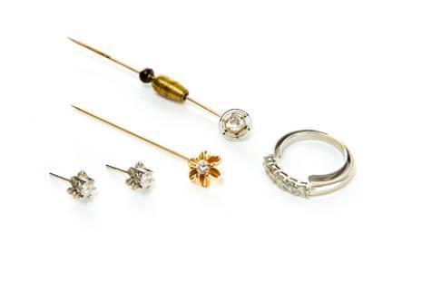 LOT OF GOLD & DIAMOND JEWELLERY