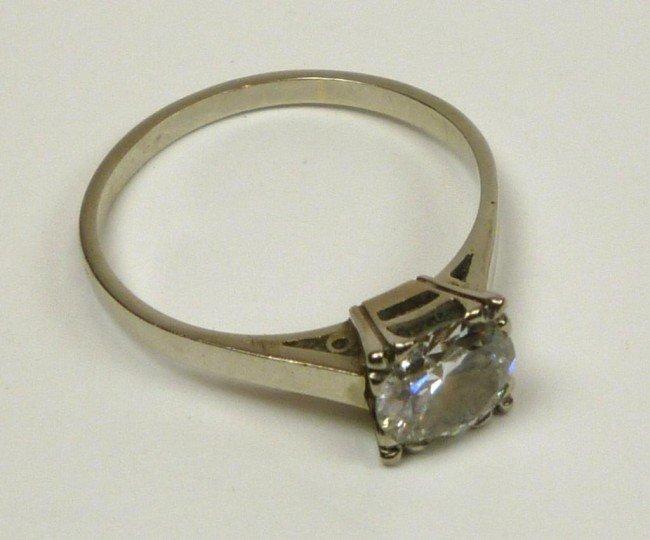 1004: VINTAGE PLATINUM AND DIAMOND SOLITAIRE RING