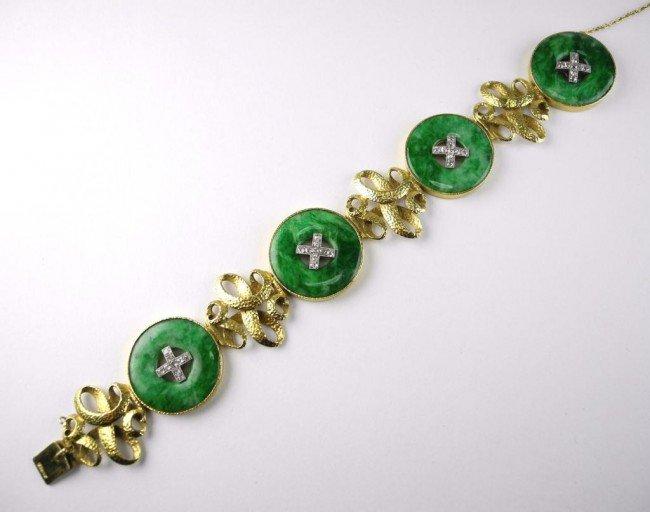 1001: GOLD JADEITE AND DIAMOND BRACELET