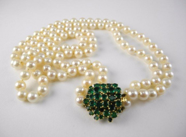 1011: DOUBLE STRAND PEARL NECKLACE WITH EMERALD CLASP