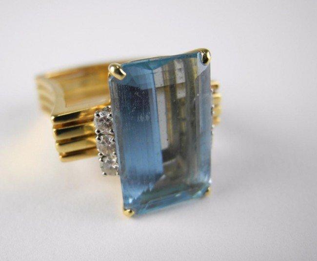 1013: AQUAMARINE AND DIAMOND RING