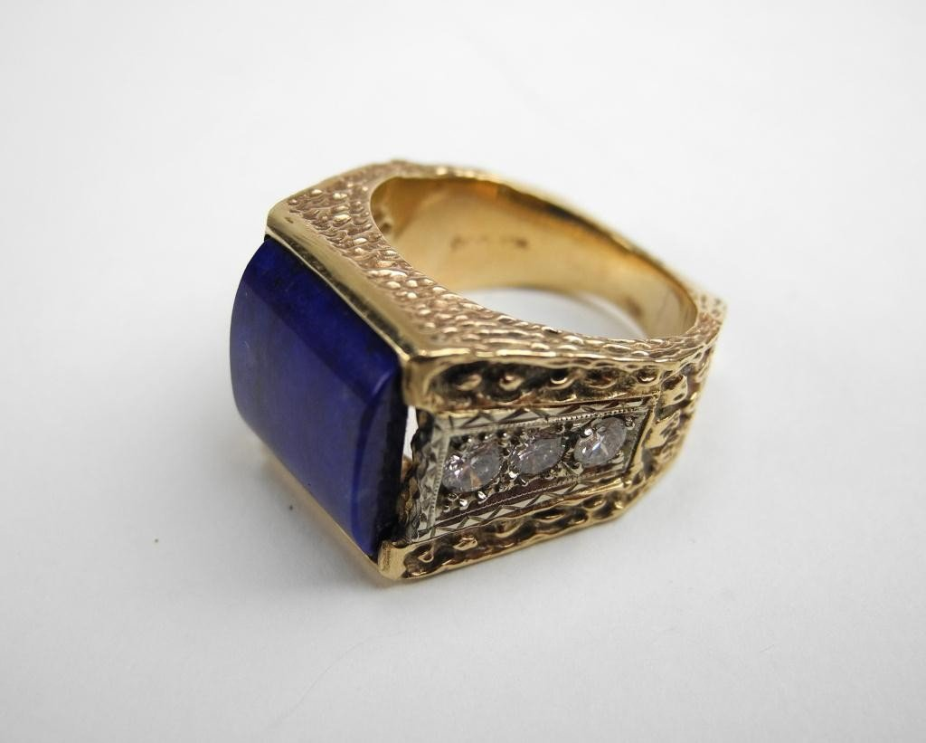 1017: GOLD LAPIS & DIAMOND MEN'S RING