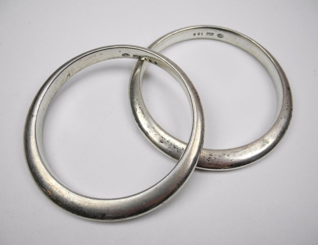 1021: PAIR OF GEORG JENSEN SILVER BANGLE BRACELETS