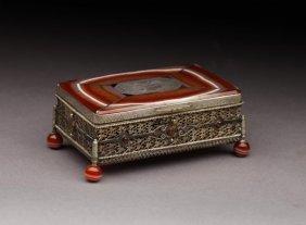 1010: 19TH CENTURY EUROPEAN SILVER GILT & AGATE BOX