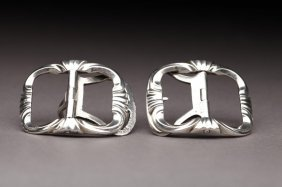 1023: PAIR OF 18TH CENTURY FRENCH SILVER SHOE BUCKLES