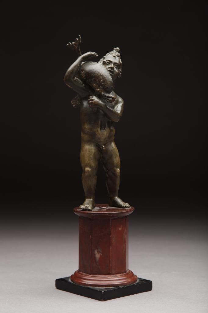 3014: 18TH CEN BRONZE NUDE ON A MARBLE BASE