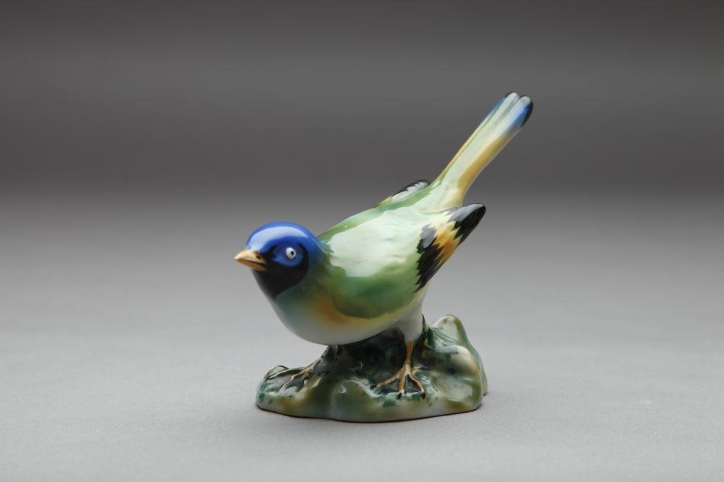 2008: NIPPON HAND PAINTED FIGURAL BIRD