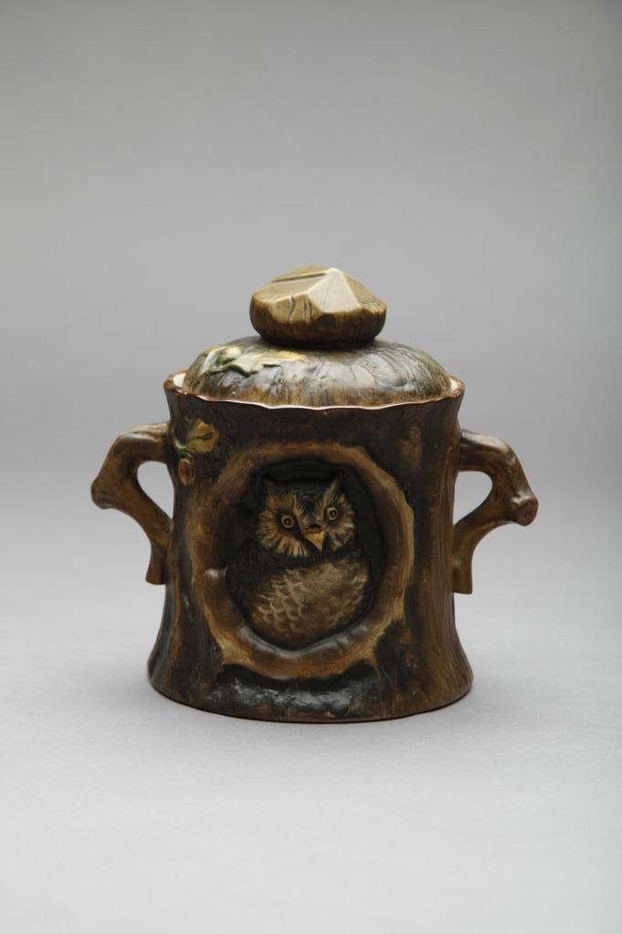 2046: EARLY NORITAKE MOULDED OWL HUMIDOR
