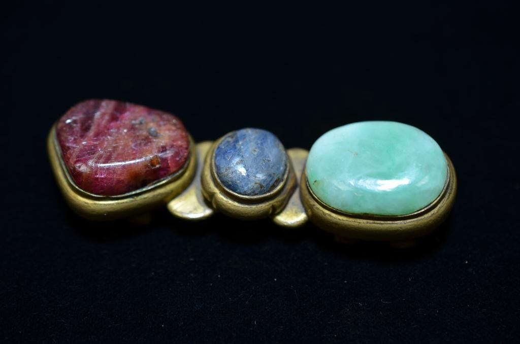 1006: CHINESE BRONZE AND AGATE BUCKLE