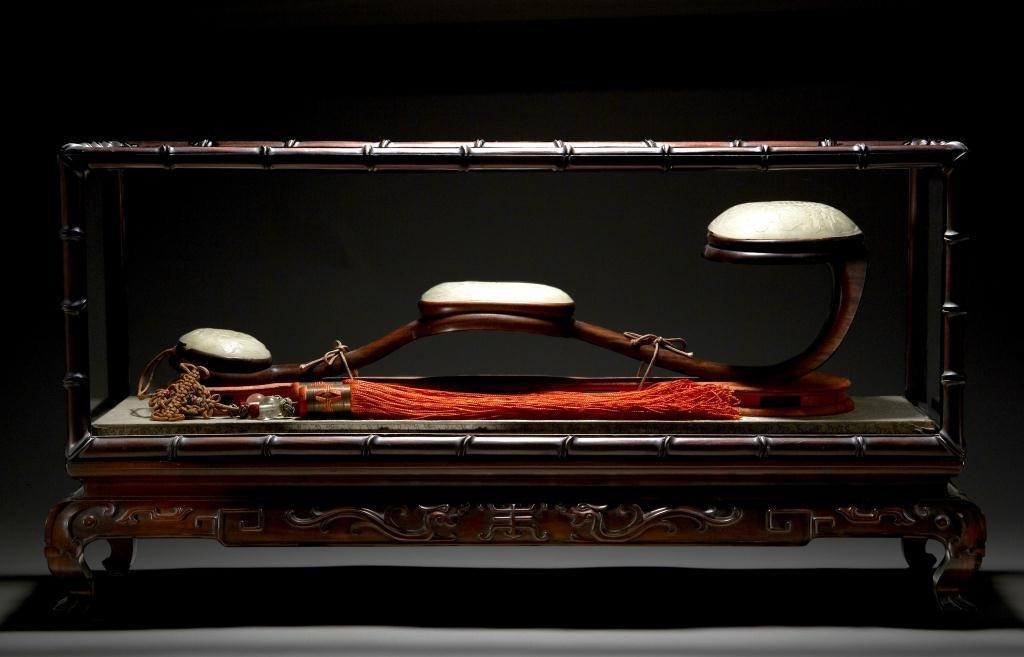 1082: CHINESE FINE JADE AND HARDWOOD RUYI SCEPTER