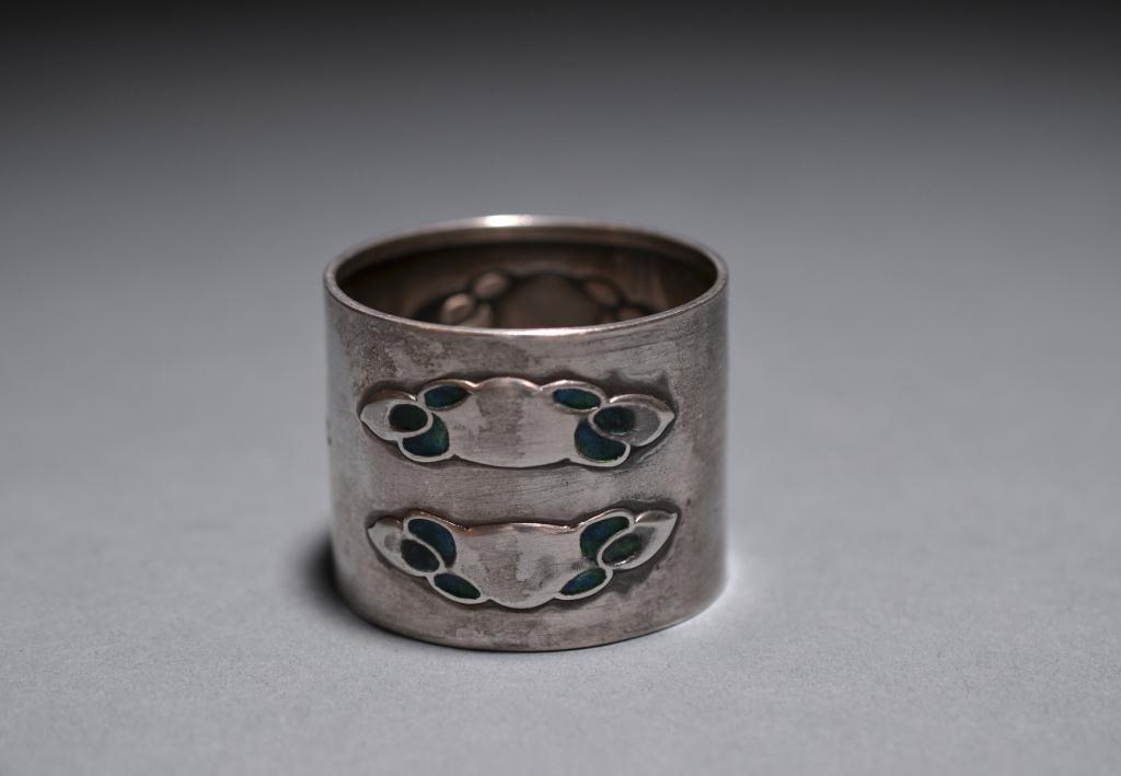 2003: LIBERTY  SILVER & ENAMEL ART NOUVEAU NAPKIN RING