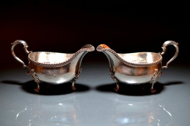 16: PAIR OF GEORGIAN SILVER SAUCE BOATS