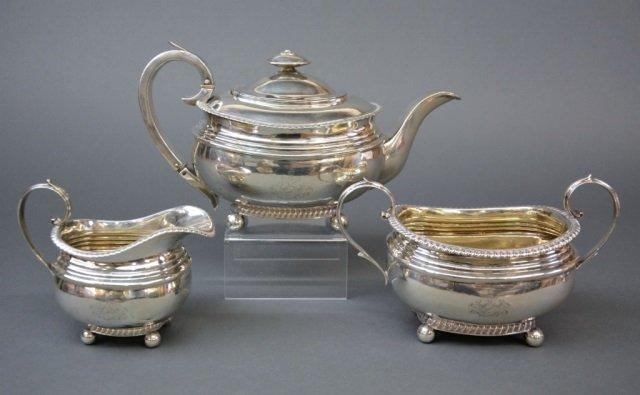 Georgian silver three piece tea set, 1301 g.