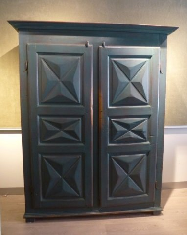 Quebec blue painted diamond point cupboard