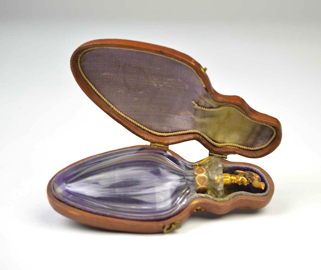 DUTCH GOLD AND CUT GLASS SCENT BOTTLE