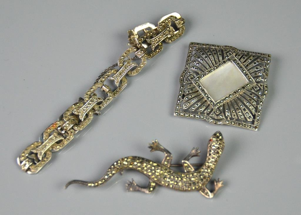 THREE PIECES OF MARCASITE & SILVER JEWELLERY