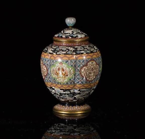 JAPANESE MEIJI PERIOD CLOISONNE COVERED CADDY