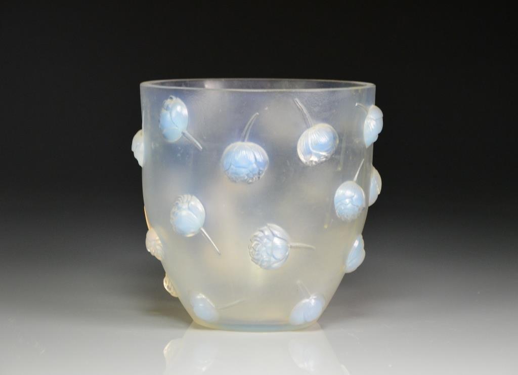RENE LALIQUE PIVOINES GLASS VASE