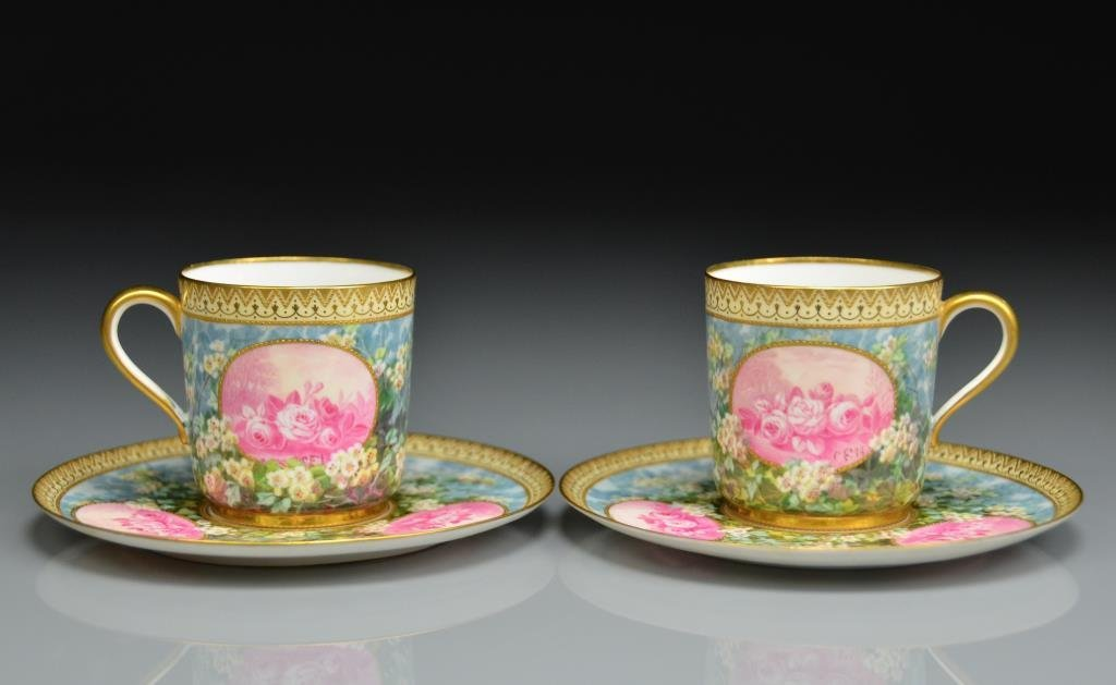 PAIR OF FINE ENGLISH PORCELAIN CUPS & SAUCERS