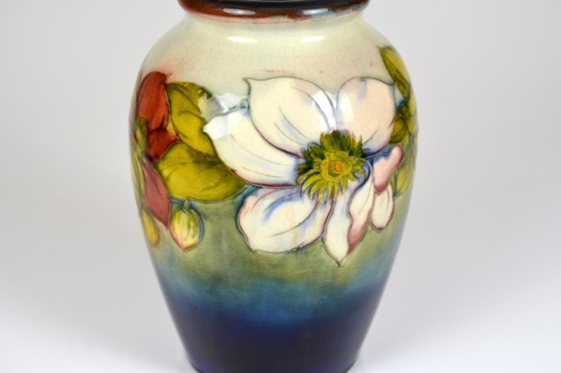 MOORCROFT CLEMATIS PATTERN POTTERY VASE - 3