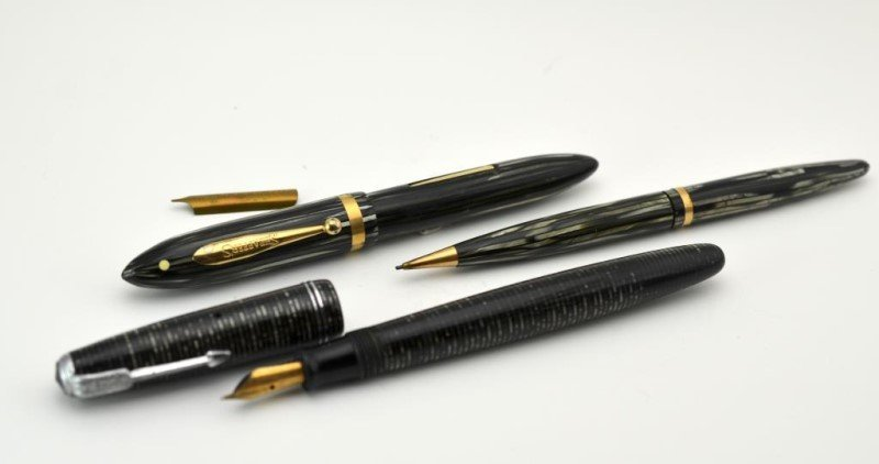 PARKER FOUNTAIN PEN AND SHEAFFER PENCIL & PEN CASE