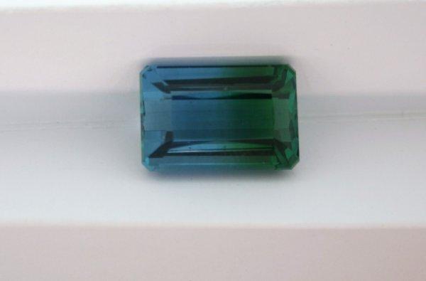 203: 19ct Bi-Color Quartz