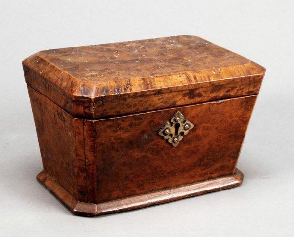 22: A George III tea caddy
