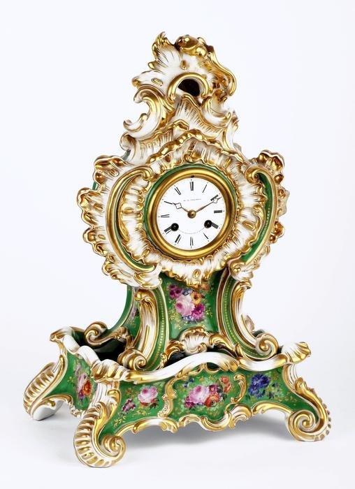 66: A French Jacob Petit porcelain cased mantel clock