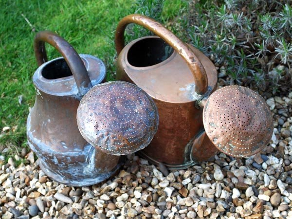 16: Two copper watering cans, first half 19thcent