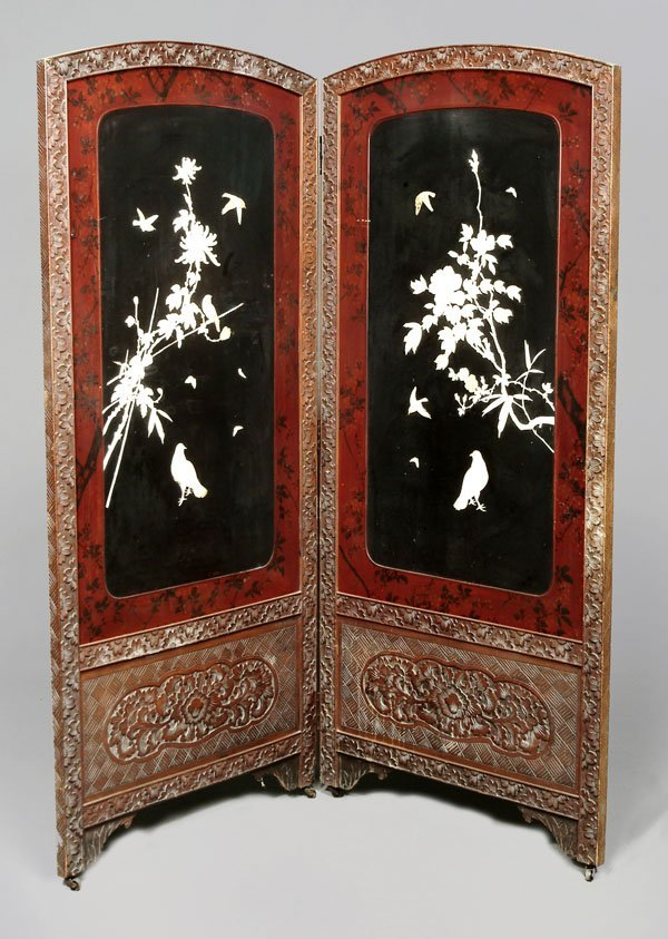 714: A Japanese lacquer arched two-fold screen,decorate
