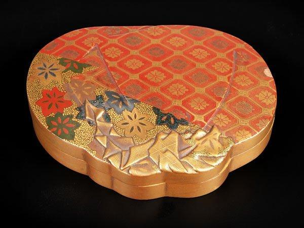 717: KAJIKAWA:A Japanese lacquer Kogo, 19th century,mod