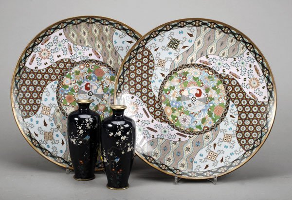 720: A pair of Japanese silver-wire cloisonné dishes,Me
