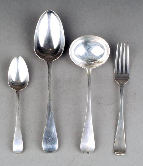 21: An assembled William IV silver Old English pattern