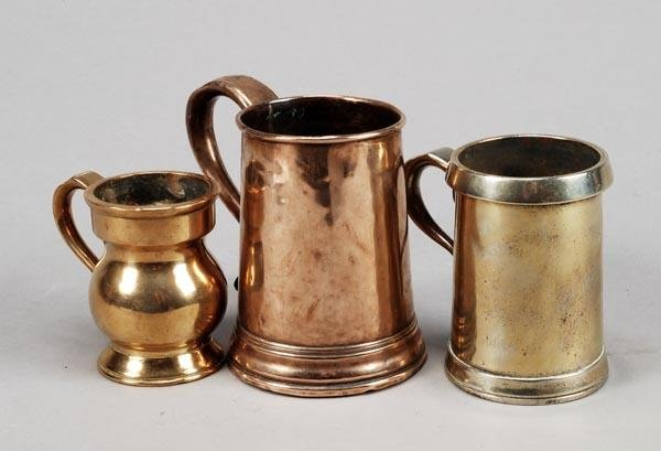 257: A Victorian brass half pint tankard, late 19th cen