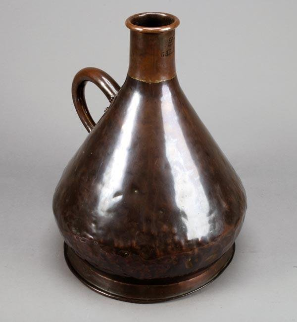 259: An early Victorian copper two gallon haystack meas