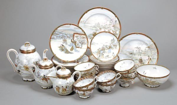 4: A Noritake tea set, comprising:  a baluster teapot