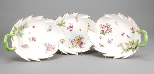 12: Three similar Chelsea leaf-shaped dishes, painted