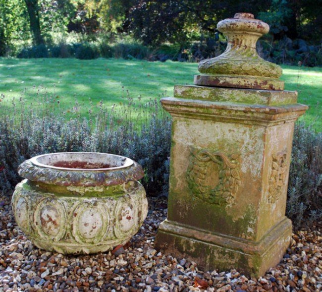 2: A Victorian terracotta garden urn and pedestal, la