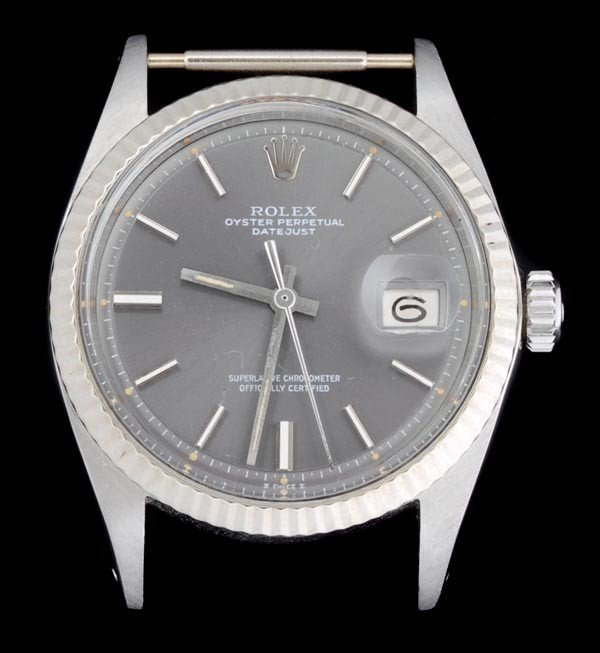 2: * Rolex, Oyster Perpetual DateJust, a mid size sta